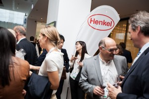 20140917_4_FEICA_YS03-0073-FEICA-Welcome-Cocktail-Henkel-flag